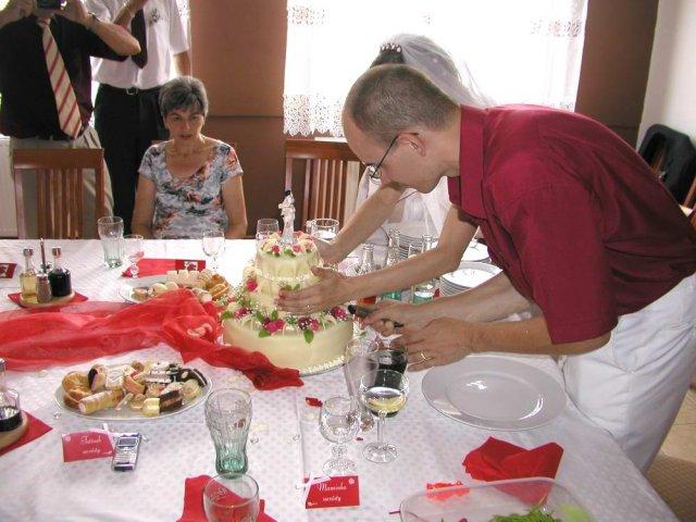 Ivča Otáhalová{{_AND_}}Mirek Matyska - krájení dortu