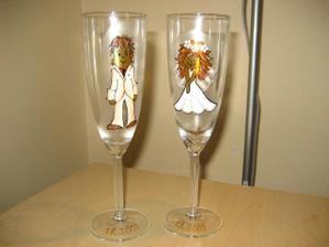 svatební skleničky, ručně malované, jsou krásné, akorát se mi nepovedli nafotit pořádně