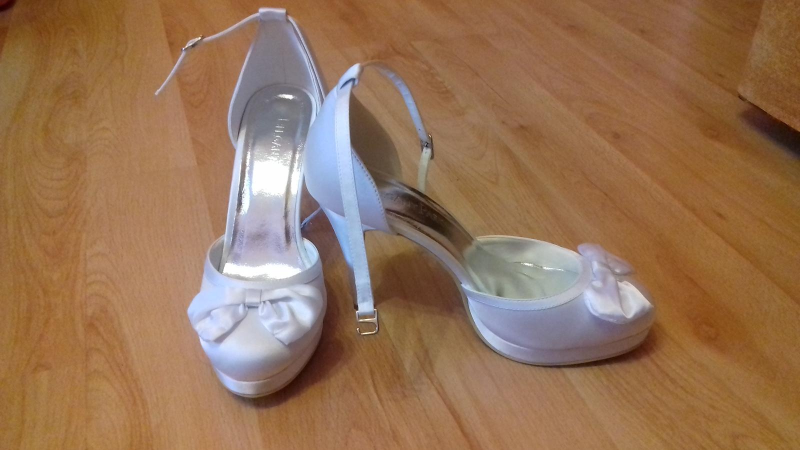 Svadobné biele topánky - Obrázok č. 4