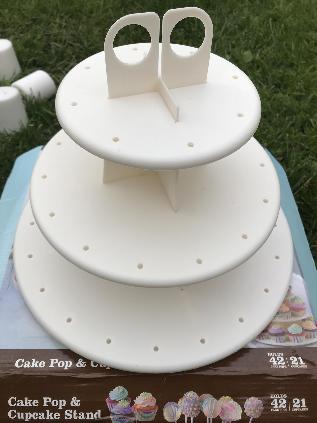 Stojan na popcakes, cupcakes nebo cokoliv jiného  - Obrázek č. 1