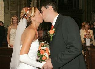 manželský polibek