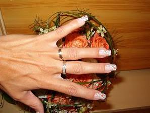 můj zásnubní a snubní prstýnek
