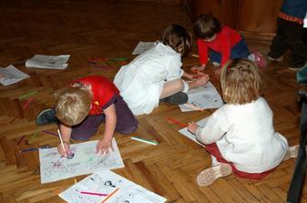 děti se zabavily malováním