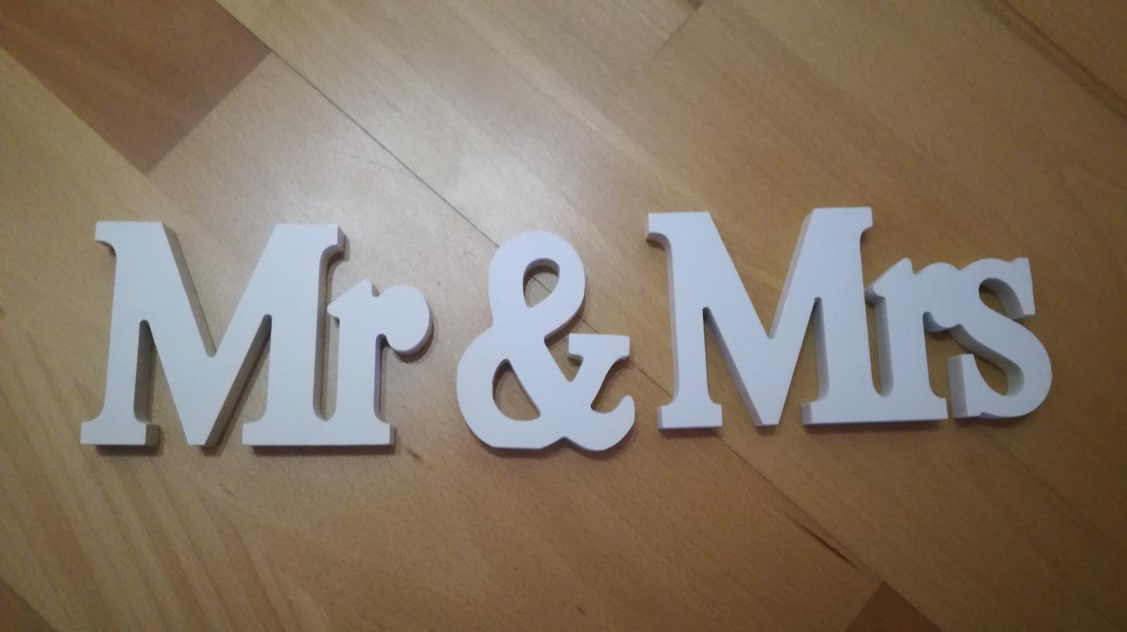 Drevený nápis Mr and Mrs - Obrázok č. 1