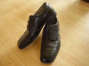 ...botičky snoubence číslo 50, bola to fuška zohnať..ale mááááme ich:o)