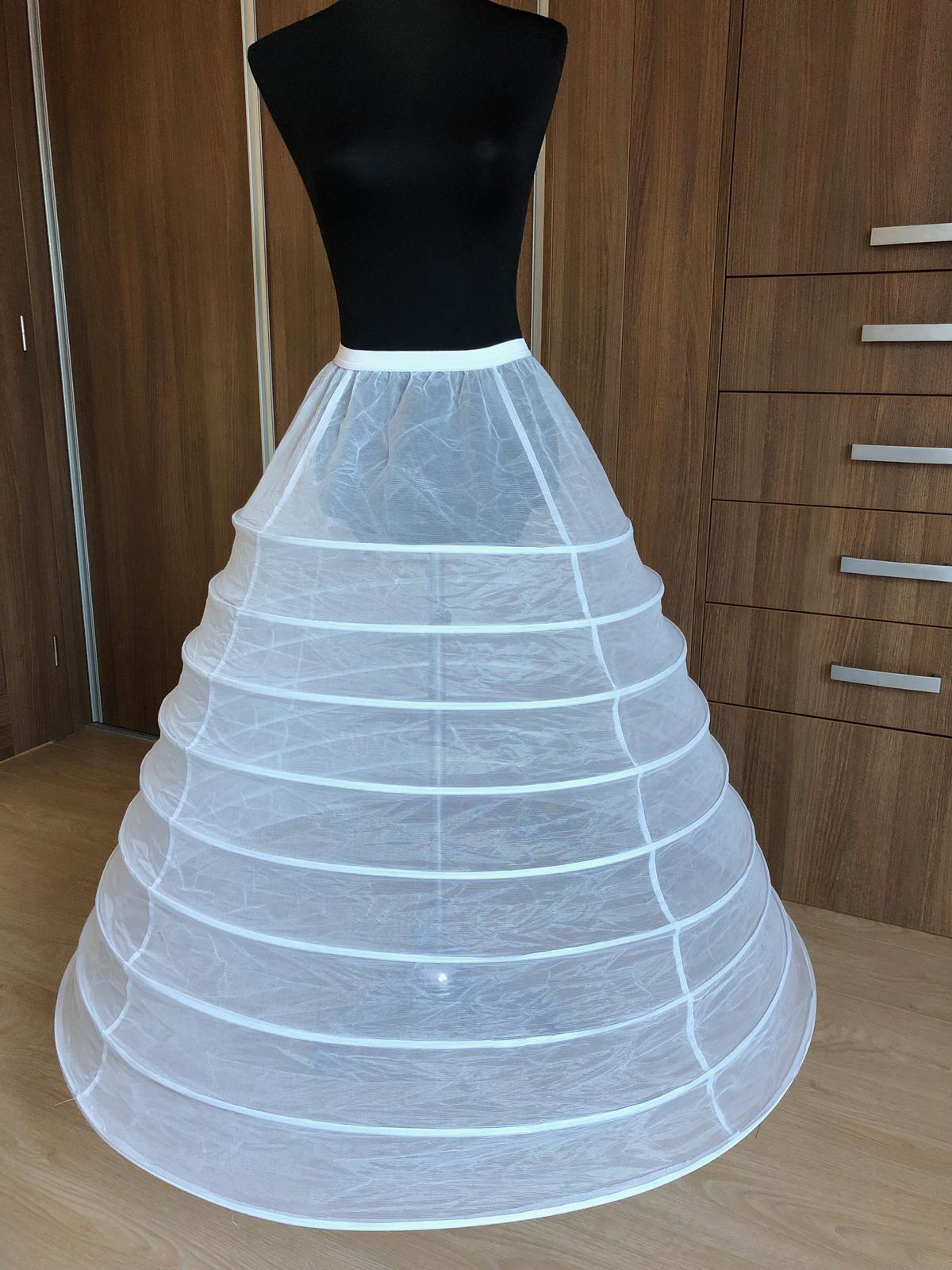 Nová kruhová spodnička pod svatební šaty 9 kruhu - Obrázek č. 1