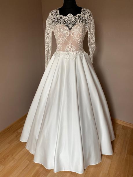 Nádherné romantické svatební šaty - Obrázek č. 1