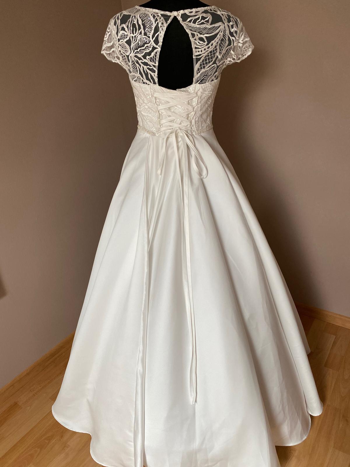 Nové svatební šaty - Obrázek č. 2