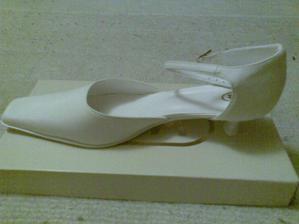Můj svatební střevíček... Jako pro Popelku  ;-)