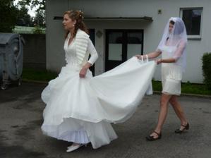Dvě nevěsty... :-)