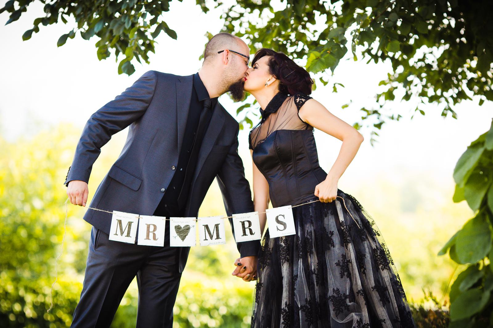 Girlanda Mr&Mrs - Obrázok č. 1