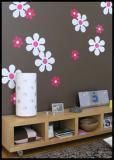 biele kvetinky na fialovej stene juuuj