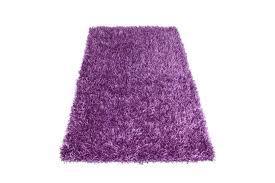 koberec jej zatial ostane detsky motylikovy casom sa kupi aj takyto krasny ;-)