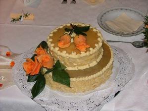 svatební dort od maminky a sestřičky