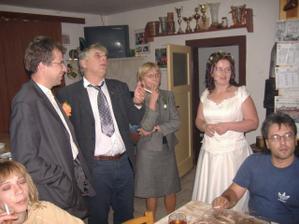 a to jsou naše poslední fota ze svatebního dne
