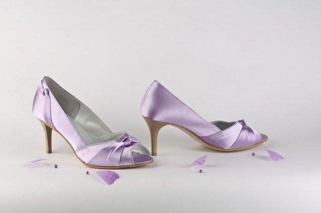 Hledám fialové boty s nízkým podpatkem - Obrázek č. 8