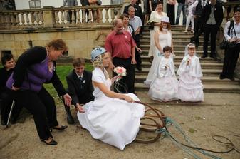 Ten bič fungoval;-) Bráška se mis tará o šaty;-)
