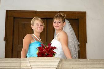 nevěsta se setřičkou :o)