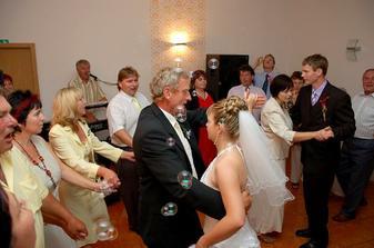 tanec s rodiči od ženicha