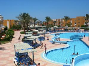 hotel Sunrise Select Garden Beach Resort -dalsia cast arealu, bol naozaj rozlahly