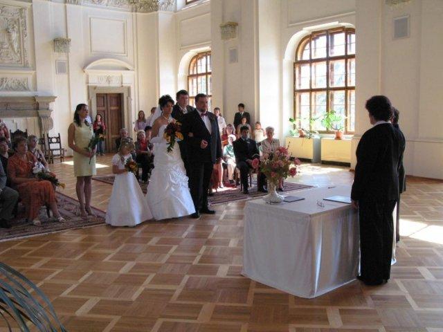 Monika + Patrik - 7.7.2007 - Opravdu jsme měli obřad ve velkém sále.