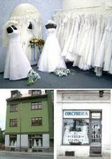 Začala jsem si vybírat šaty. Zamluvila jsem si je v této půjčovně v Klatovech.