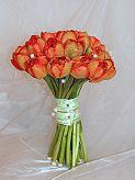 Monika + Patrik - 7.7.2007 - Nádhera, ale mám strach, že tulipány brzy uvadnou.