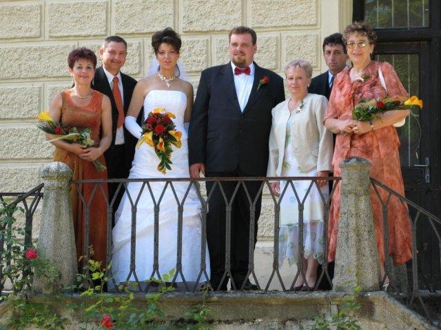 Monika Slavíková{{_AND_}}Patrik Kroupa - Foto s rodiči (já mám 4, manžel jen maminku)
