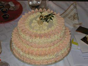 Svatební dortík... dárek od babičky.