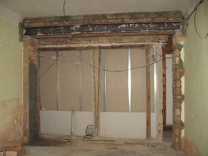 bourání nosné zdi dům kupodivu vydržel