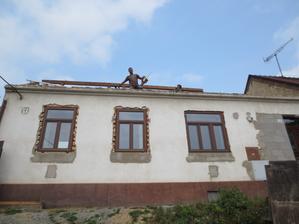 Střecha je skoro dole, kdo to udělal?!