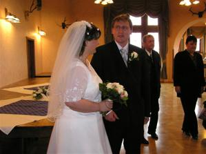 novomanželé po obřadu