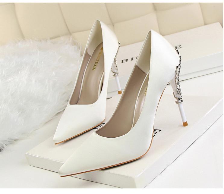 Svadobné lodičky, obuv - 6 veľkostí - Obrázok č. 1