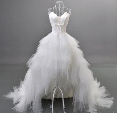 Asymetrické svadobné šaty - 7 veľkostí - Obrázok č. 1