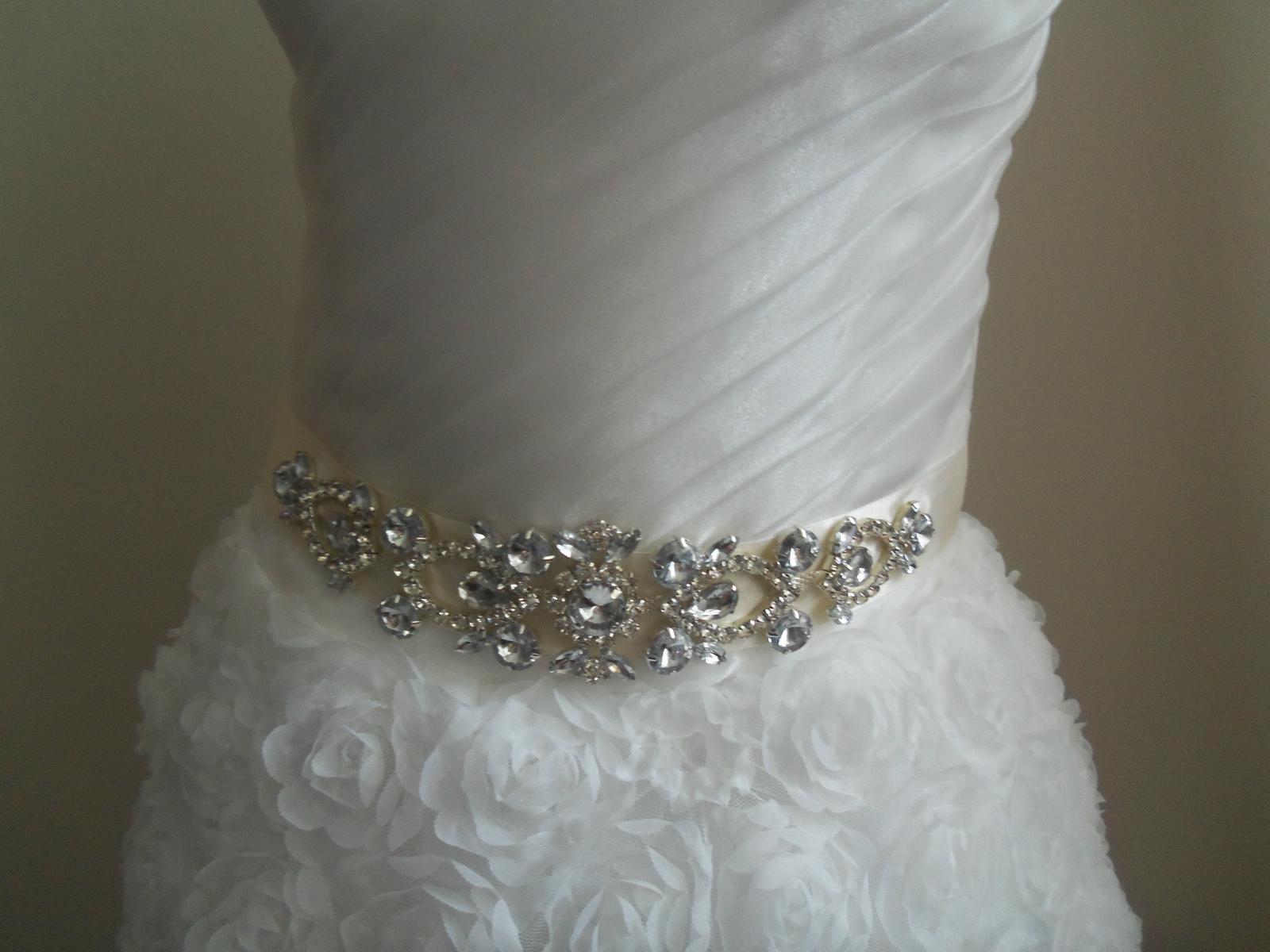 Svadobné šaty EU36-42-regulácia+možnosť rozšírenia - Obrázok č. 3