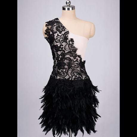 Spoločenské šaty s perím k dispozícii ihneď  - Obrázok č. 2