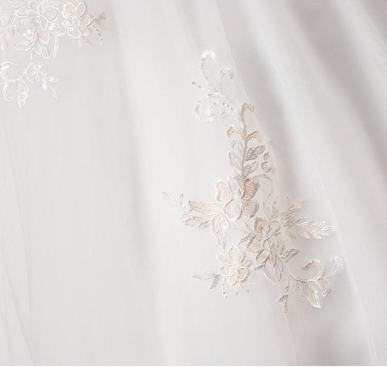 Svadobné šaty skladom - Obrázok č. 4