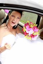 Já prostě nemohu být normální ani na svatbě.....