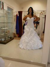 Zazálohované svatební šaty.