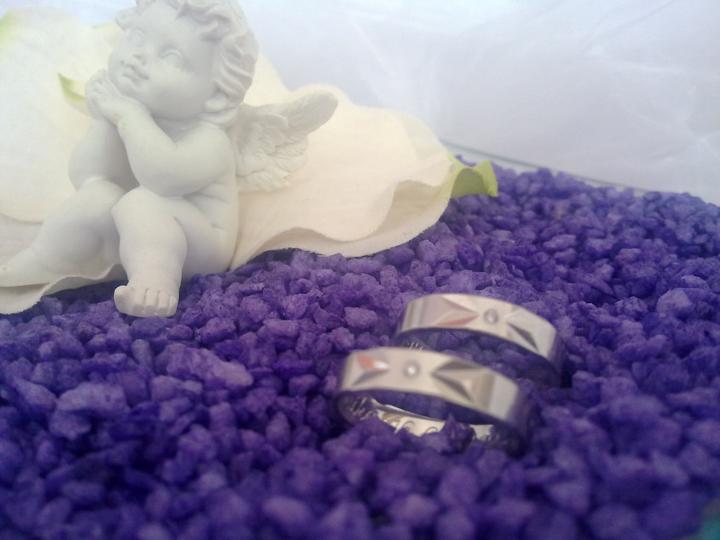 """""""prípravy na svadbu"""" - naše obrúčky :)"""