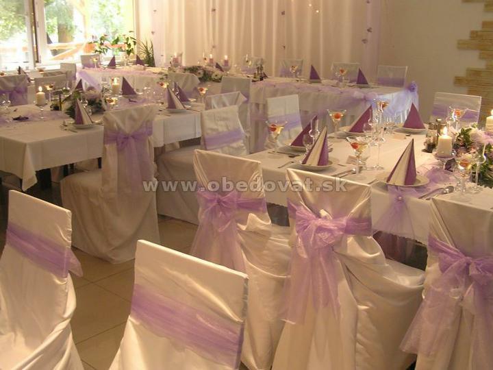 """""""prípravy na svadbu"""" - naša sála, len trošku iné rozloženie stolov budeme mať :))"""