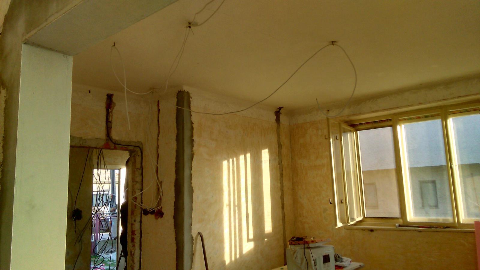 U nas DOMA   👪💟 - nova elektrika a krasne slniecko v obyvacke ☀