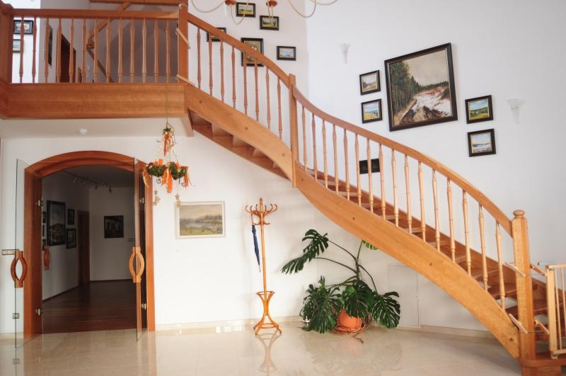 Moje inspirace - inspirace na schody do patra...