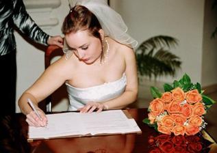 A jde se na podpisy...první já :-)