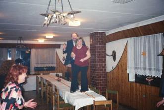 večer se už i tancovalo na stole :-))