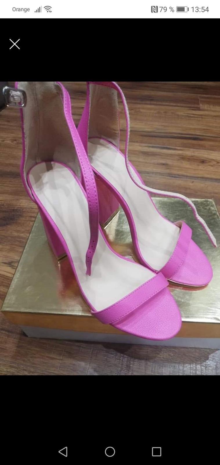Dámske sandalky - Obrázok č. 1