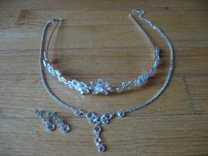 náhrdelník s naušničkama...