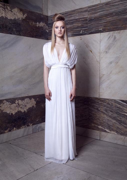 Svatební šaty od Helen Mertl - Vaše svatební fotografka Eva Šafránková