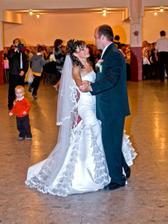 ...náš prvý manželský tanec...