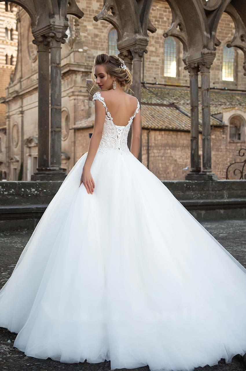 Sníte o sněhově bílých svatebních šatech? - Obrázek č. 3